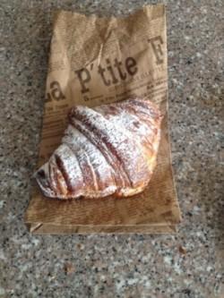 croissant almendras 2 petit france